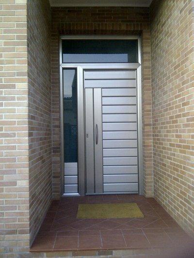 Puertas exteriores cristaler a y aluminios moscatel - Puertas de aluminio exteriores ...